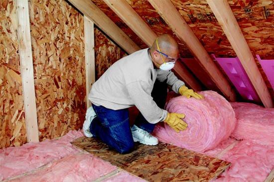 https://www.ultimateradiantbarrier.com/wp-content/uploads/2017/11/fiberglass-batt-insulation-houston.jpg